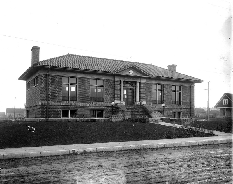 The East Central Branch of the Carnegie Library shortly after construction, 1914 (image L87-1.11112X-14 courtesy of the Northwest Museum of Arts and Culture)