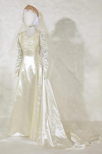 Sumi Okamoto's Wedding Dress