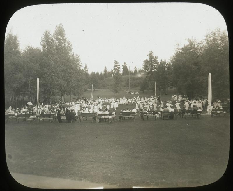 Concert at Manito circa 1907