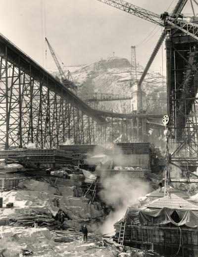 In the Belly of the Dam&lt;br /&gt;<br /> Grand Coulee Dam Construction
