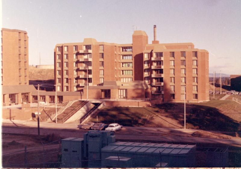 Streeter Hall shortly after completion