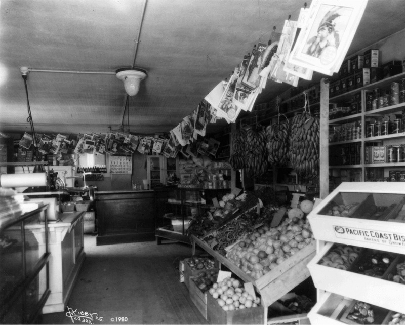 An East Central Produce Store, 1925 (image L87-1.29302-25 courtesy of the Northwest Museum of Arts and Culture)