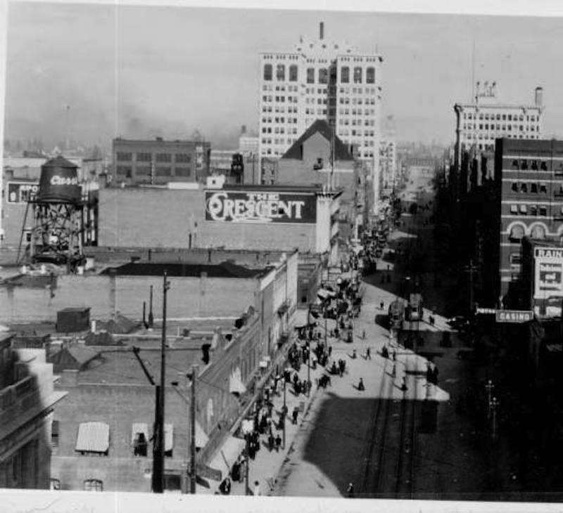 Trolleys on Riverside Avenue