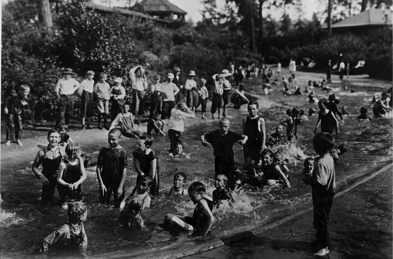 The wading pool at Liberty Park, probably in the 1930s (image L93-18.159 courtesy of the Northwest Museum of Arts and Culture).