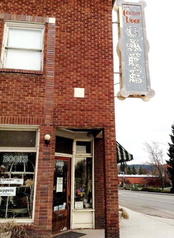 """The former pharmacy's """"corner door,"""" 2015"""