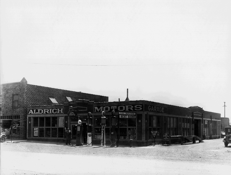 1935 - Alderich Motors located at 3310 Sprague Avenue (image L87-1.6790-35 courtesy of the Northwest Museum of Arts and Culture).