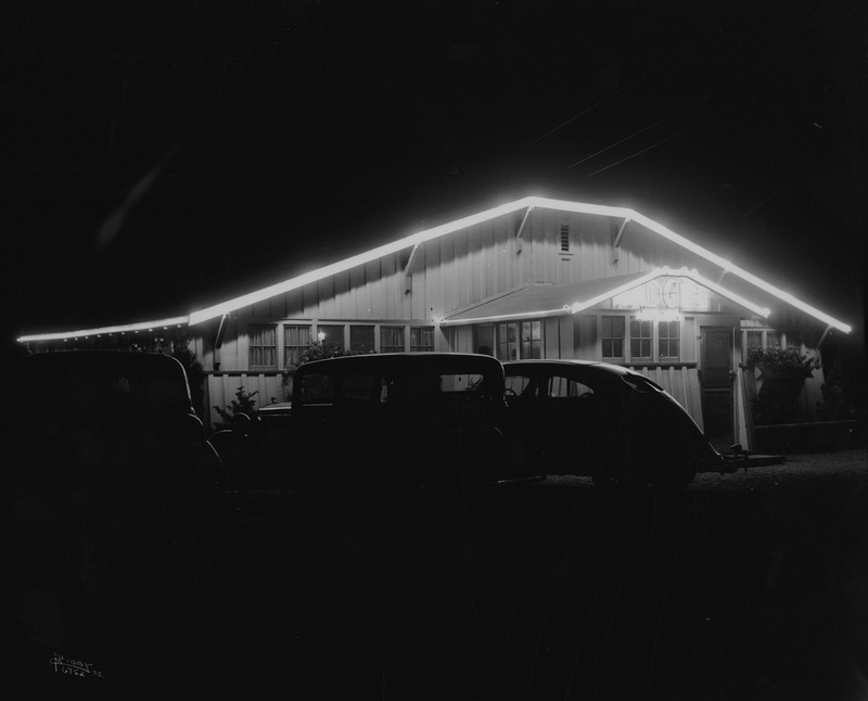 Madge's Chicken Dinner Inn, 1935 (image L87-1.6752-35 courtesy of the Northwest Museum of Arts and Culture)