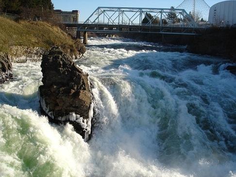 Spokane Falls in Winter
