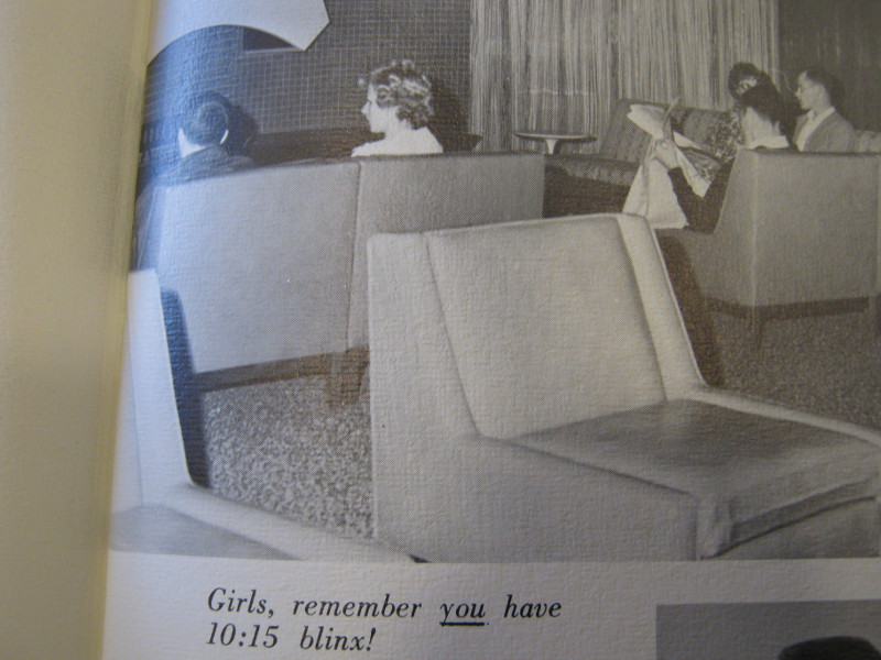 Picture of the lounge in Streeter in the 1968 EWU yearbook