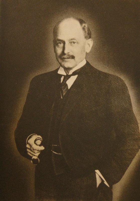 W. H. Cowles