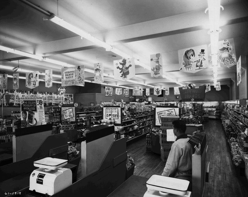 The Sprague Avenue Safeway, 1961 (image L87-1.1919-61).
