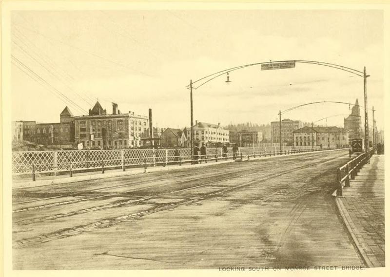 Monroe Street Bridge Entrance