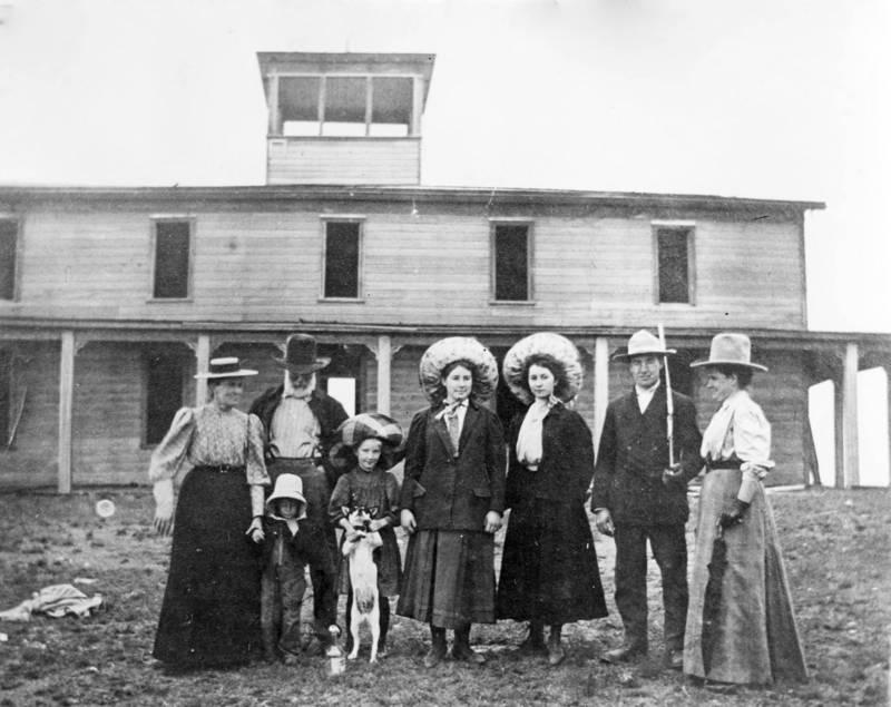 "James ""Cashup"" Davis and Family, circa 1888."