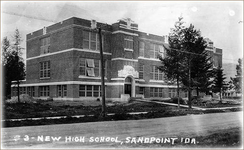 The Sandpoint High School in 1922.