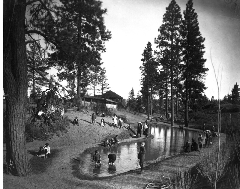 The wading pool at Liberty Park, 1909 (image L87-1.2210-09 courtesy of the Northwest Museum of Arts and Culture)
