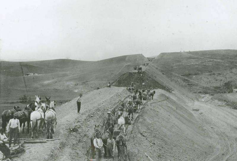 Construction of the Spokane & Inland Empire Railroad Line,circa 1906