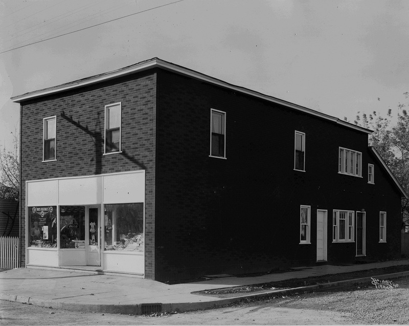 The Sheridan Grocery Store on 5th Avenue and Freya, 1940 (image L87-1.19429-40)