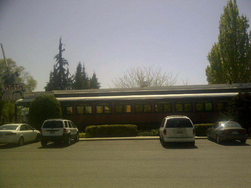 Knights Diner on a bright sunny day.  Courtesy of Knights Diner.