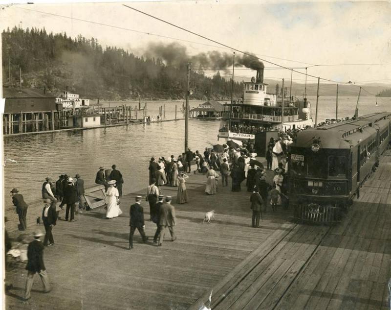 The Steamboat Idaho at the Coeur d' Alene docks